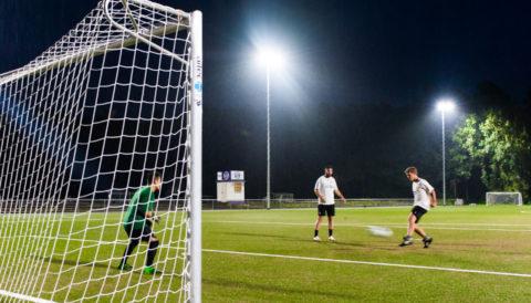 Osram_Lighting_Fussball Sportplatzbeleuchtung LED Flutlicht
