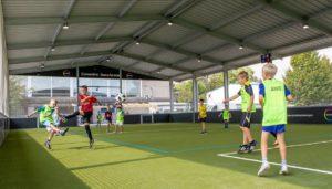 McArena Freiluft Sporthalle: Kosten für die Überdachung von Sportplatz und Kleinspielfeld. Sporthalle günstig bauen.