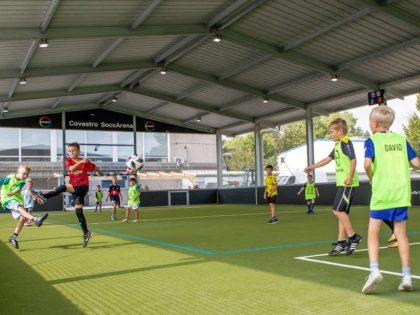 Sportkapazitäten schaffen: Die McArena Freiluft-Sporthalle
