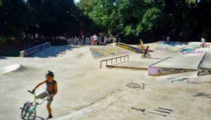 Skatepark Planung: Kosten für die Planung eines Skateparks und Kosten für den Bau eines Skatepark. welche Betonelemente haben welchen Preis und mit welchen Kosten müssen Skater, Kommune und Stadt kalkulieren.