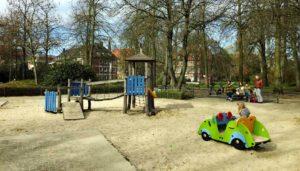 Spielgeräte für öffentliche Spielplätze: Kosten für Planung und Bau eines Spielplatz