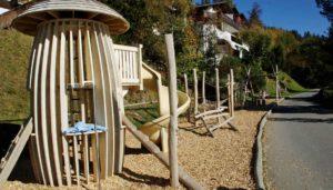 Spielplatz Kosten: Spielgeräte für die Planung und den Bau eines Spielplatzes für Kinder und Jugendliche.