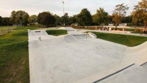 Skatepark Planung: Kosten für den Bau eines Skateparks und Kostenberechnung, was die Plaung eines Skateparks kosten kann. Fördermittel für Skatepark-Projekte und Informationen für Skatepark Projektstarter.