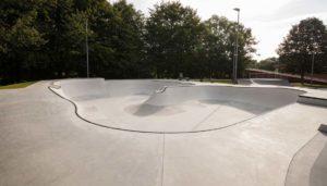 Skatepark Planung: Was müssen Skateboarder beim Bau eines Skateparks beachten und welche Kosten kommen im Rahmen der Planung eines Skatepark zusammen. Skatepark Planung, Skatepark Kosten und Skatepark bauen: sportstaettenrechner.de