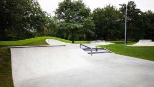 Skatepark bauen: Kosten für Planung und Bau eines Skatepark einer Skatepark Bowl Anlage oder eines Skatepark mit Miniramo und Skatepark Elementen. Kosten, Planung und Informationen für Skatepark Projektstarter.