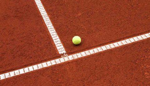 tennisforce 2 - Ganzjährig bespielbarer Tennisbelag. Kosten für einen Allwetter Tennisplatz