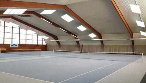 led tennishallenbeleuchtung: Kosten für die Tennishallenbeleuchtung mit LED Leuchten und LED Flutlicht für die Tennishalle. LED Beleuchtung für die Tennishalle