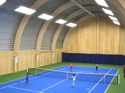 LED Tennishallenbeleuchtung – WELUMA setzt weitere Projekte in Schweden um