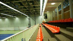 Ballwurfsichere LED Leuchten für die Sporthalle: Kosten, Förderprogramme und Tipps für Vereine zur LED Sporthallenbeleuchtung und Tennishallenbeleuchtung.