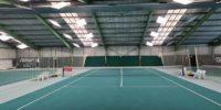 Schweizer 3-Feld Tennishalle auf LED Tennishallenbeleuchtung umgerüstet