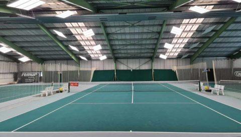 led tennishallenbeleuchtung: Ballwurfsichere LED Tennishallenbeleuchtung