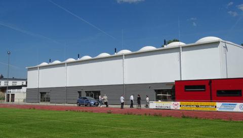 Sporthalle günstig bauen: Kosten rund um den Sporthallenbau kalkulieren