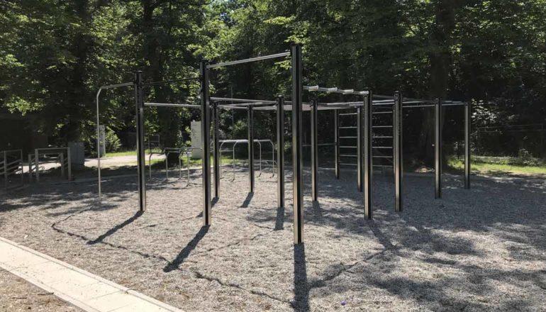 Outdoor-Fitnessgeraete: Kosten für den Bau einer Calisthenics Anlage oder eines Fitnessparks kalkulieren.