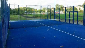 Padelplatz bauen: Kosten kalkulieren - Preise vergleichen. Tipps rund um die Finanzierung und Förderprogramme beim Bau eines Padelplatzes outdoor oder in einer Tennishalle oder auf einem Tennisplatz.