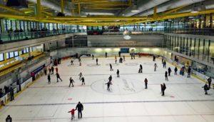 Zuttritskontrolle und Zutrittssysteme für Eishallen, Schwimmbad, Stadion und Arena. Kosten Zutrittskontrolle und Kosten Drehkreuze für Freizeitanlage und Sportanlagen.
